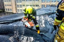 Wiatr uszkodził dach sali sportowej w Witkowie