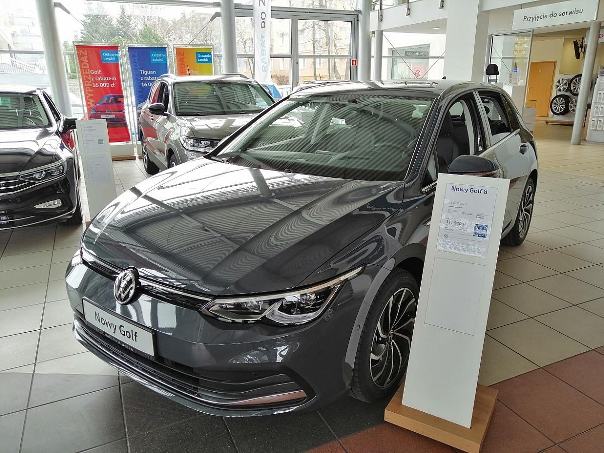 Czy warto korzystać z wiedzy i doświadczenia ASO Volkswagen Berdychowski? Tak!