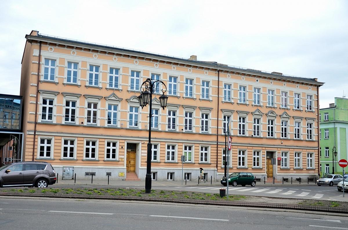 Czy szkoły w Gnieźnie zostaną zamknięte? Jutro wspólna konferencja włodarzy miasta i powiatu