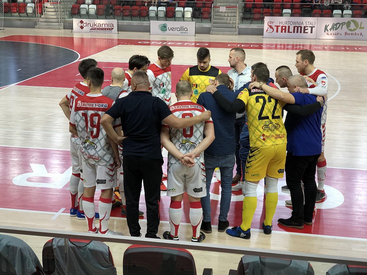 Derby Wielkopolski świetną wizytówką futsalu! KS Gniezno pokazał charakter