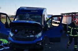 Wypadek ciężarówki i autolawety na drodze ekspresowej S5