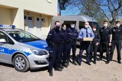 Więzienne maseczki trafiły do policjantów