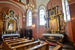 Więcej wiernych w kościołach