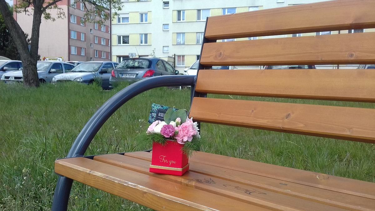Samotny FlowerBox na os. Winiary! Akcja wzbudza ogromne zainteresowanie mieszkańców!