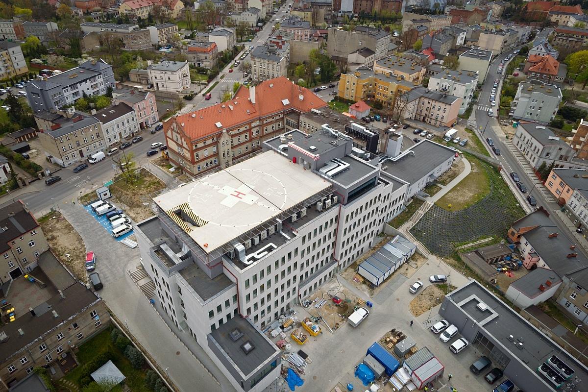Gnieźnieński szpital - postęp budowy z lotu ptaka