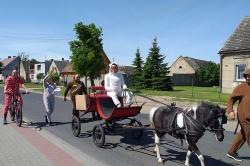 Niespodzianka z okazji Dnia Dziecka w Gębarzewie i Gębarzewku! Miłośnicy koni zaskoczyli mieszkańców!