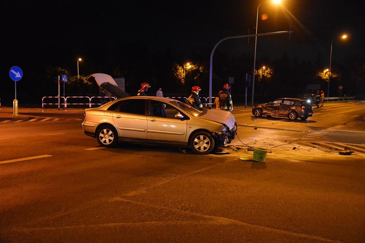 Zderzenie na skrzyżowaniu ul. Kostrzewskiego i Cienistej