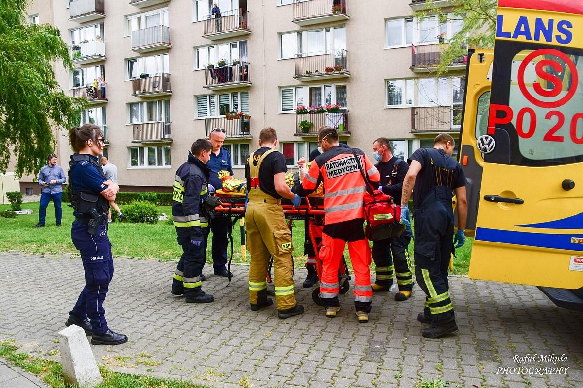 Kobieta poparzona w mieszkaniu przy ul. Sobieralskiego w Gnieźnie!