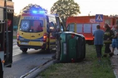Wypadek w Działyniu! Jednym z aut podróżowała kobieta z dwójką dzieci!