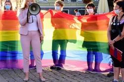 Manifestacja środowisk LGBT na gnieźnieńskim Rynku! Bronią chuligana, któremu grozi do 5 lat więzienia?