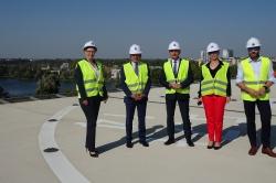 Samorządowa wizyta na terenie budowy gnieźnieńskiego szpitala