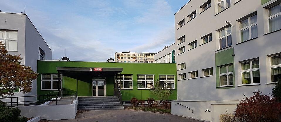 Koronawirus w Szkole Podstawowej nr 10 w Gnieźnie! Zajęcia odwołane!