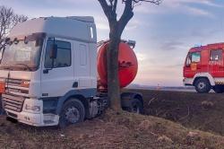 Wypadek ciężarówki w Czeluścinie