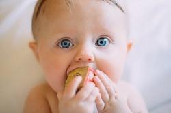 Co to jest wzmożone napięcie mięśniowe u niemowląt?