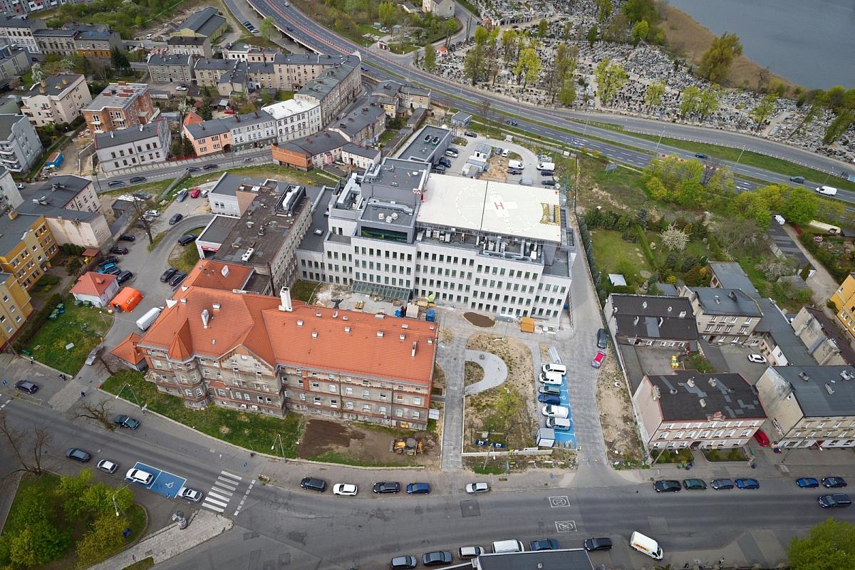 Zespolenie szpitala i nowe miejsca parkingowe dla pacjentów