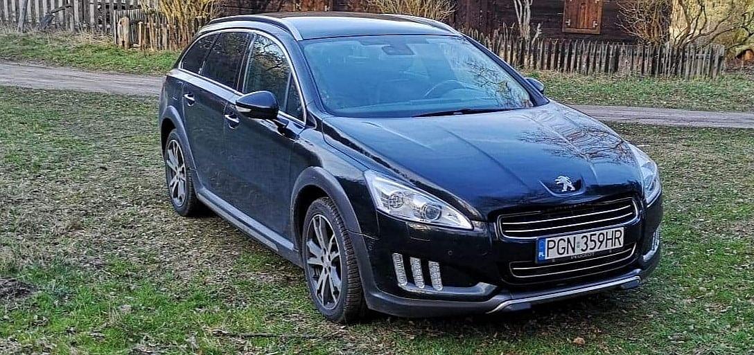 Przy ul. Sportowej w Gnieźnie skradziono samochód