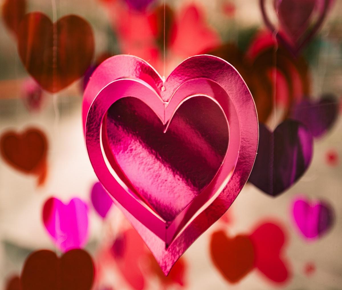 Walentynki - ciekawostki, pomysły na prezenty i historia święta zakochanych