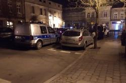 Włamanie na ul. Rzeźnickiej! Policjanci szybko znaleźli samochód, którym uciekli sprawcy