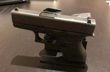 Policjant z Trzemeszna zgubił broń