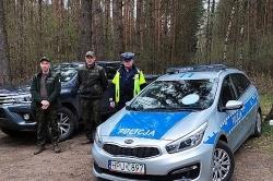 Quady i crossy - policjanci i leśnicy kontrolują lasy