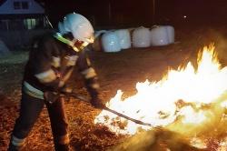Pożar stogu w Mierzewie