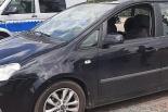 Mama zatrzasnęła 15-miesięczną córkę w samochodzie. Interweniowali policjanci