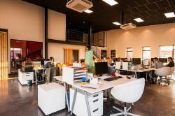 Czym charakteryzują się nowoczesne meble biurowe?