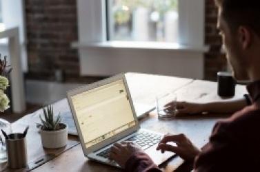 Jak wybrać Internet dla małej firmy?