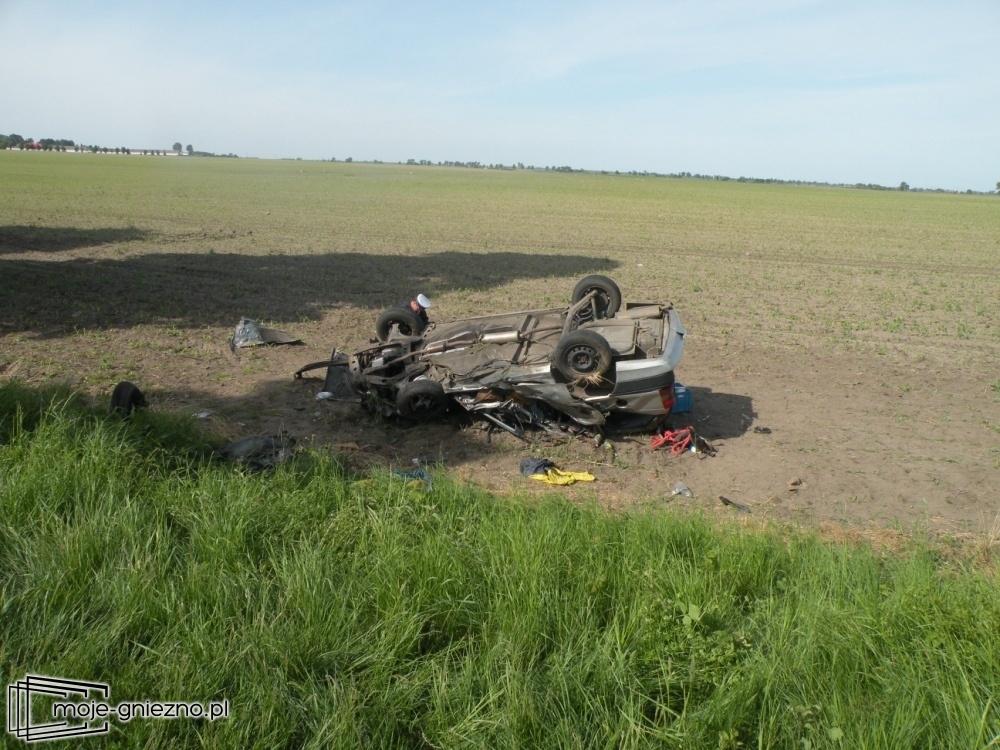 Śmiertelny wypadek na trasie Obora - Działyń - dwie osoby nie żyją