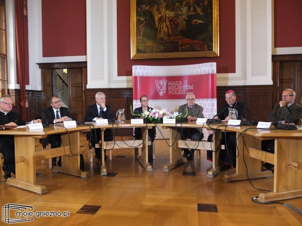 Telewizyjna debata na temat przełomowego znaczenia Chrztu Polski