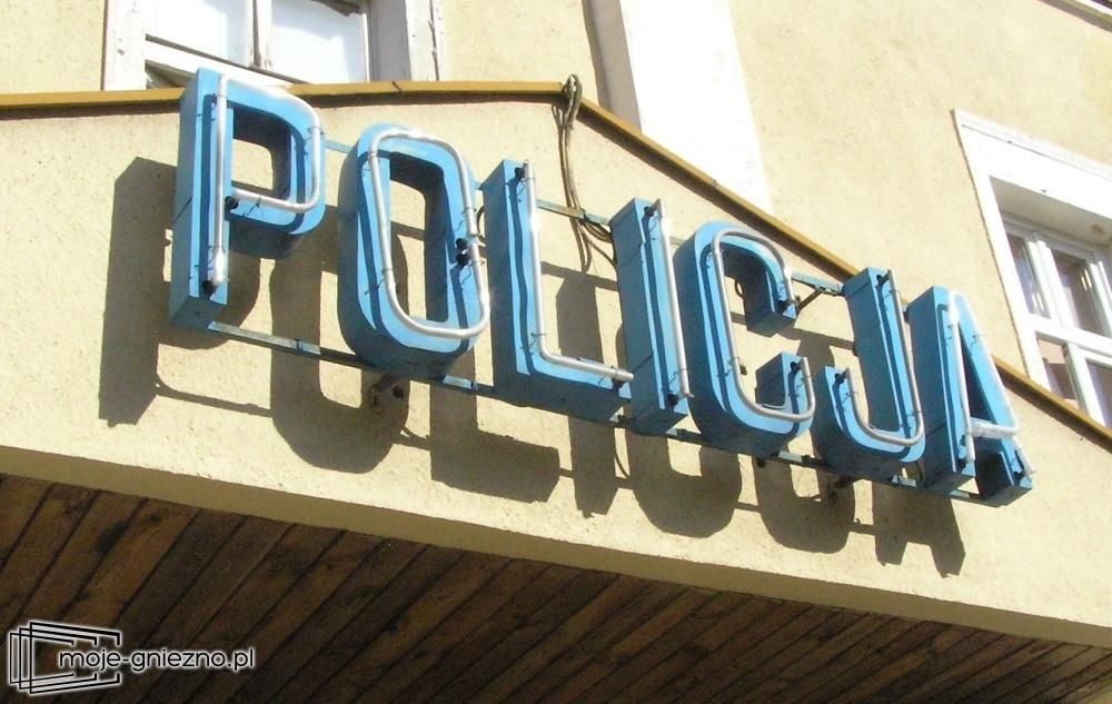 Ukradli tablice i paliwo. Policja zatrzymała ich po pościgu!