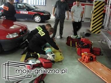 Strażacy po kursie kwalifikowanej pomocy medycznej