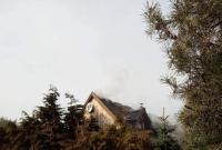 Pożar domu w Karczewku! Do akcji wysłano strażaków z powiatu gnieźnieńskiego i Poznania