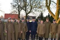 Oficerowie oddali hołd byłym komendantom posterunków