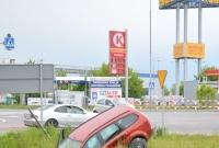 Kolejna kolizja na skrzyżowaniu koło Castoramy