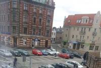 Wypadek w centrum Gniezna! Motocyklista zderzył się z samochodem osobowym