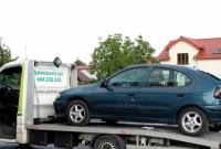 Uszkodził dwa auta! Wydawał się trzeźwy! Wynik zaskoczył nawet policjantów