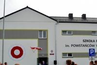 Uroczyste otwarcie nowego budynku szkoły w Zdziechowie