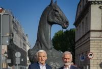 Buzek popiera Niewiarowskiego