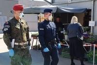 Policja i wojsko patrolują ulice