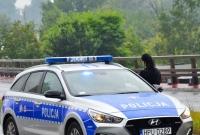Kolejne rozbite auto na Trasie Zjazdu Gnieźnieńskiego! Czy to wina złego stanu drogi?