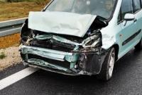 Kolejne rozbite auto na węźle Gniezno Południe