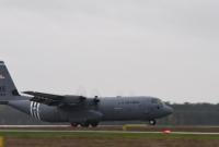 15 rotacja amerykańskich lotników w Powidzu zakończona zawodami w precyzyjnym lądowaniu i zrzucie ładunków