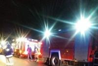 Wypadek w Karniszewie! Auto dachowało i zatrzymało się na ogrodzeniu posesji!
