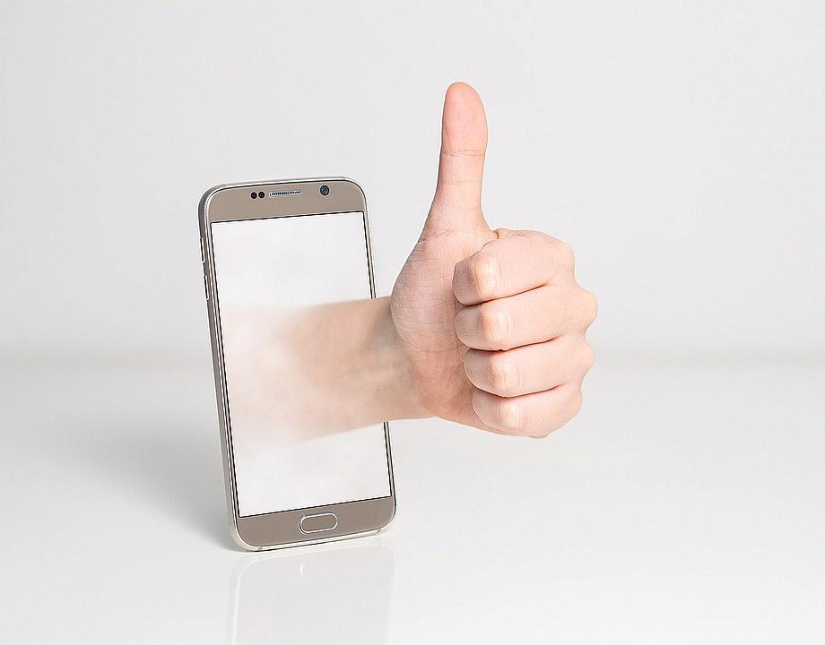 Twój telefon stracił gwarancję i potrzebuje naprawy? Wiemy, co powinieneś zrobić!
