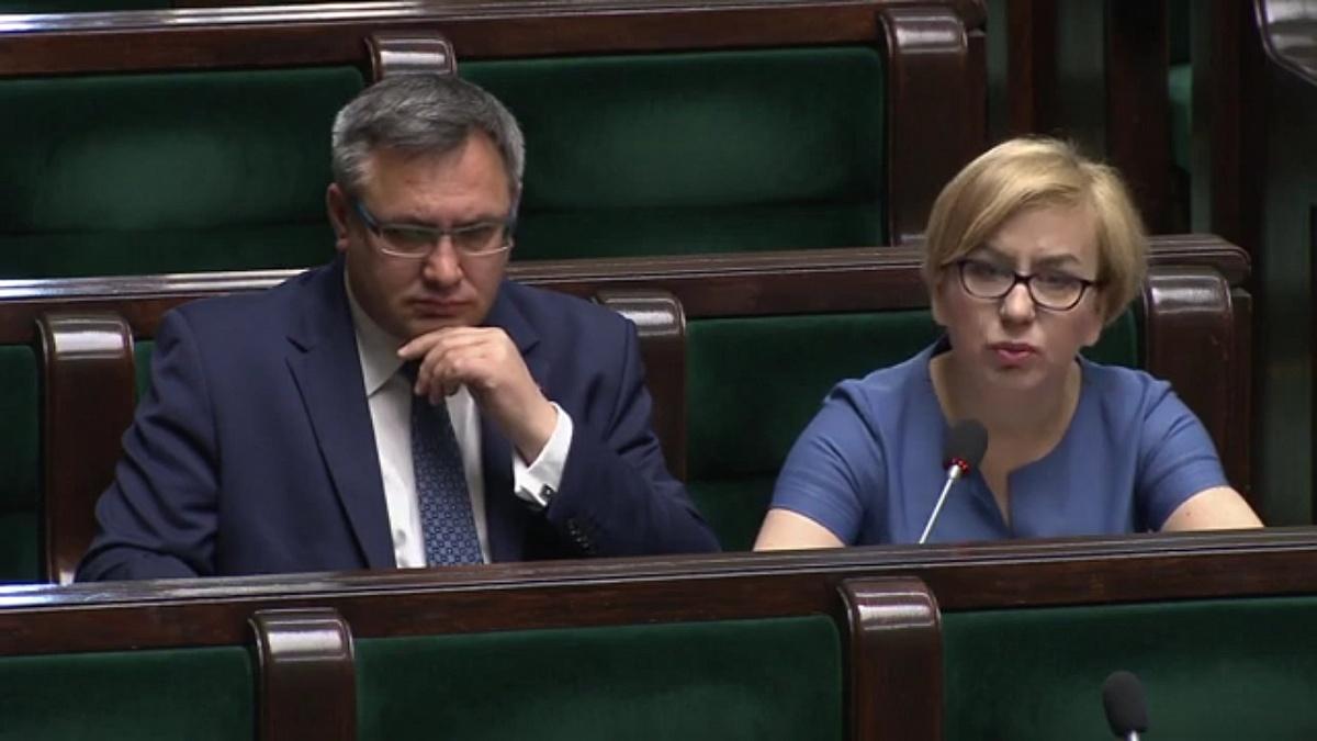 Paulina Hennig-Kloska pyta ministra o sytuację szpitali. Podsekretarz stanu nie zna problemów gnieźnieńskiej placówki