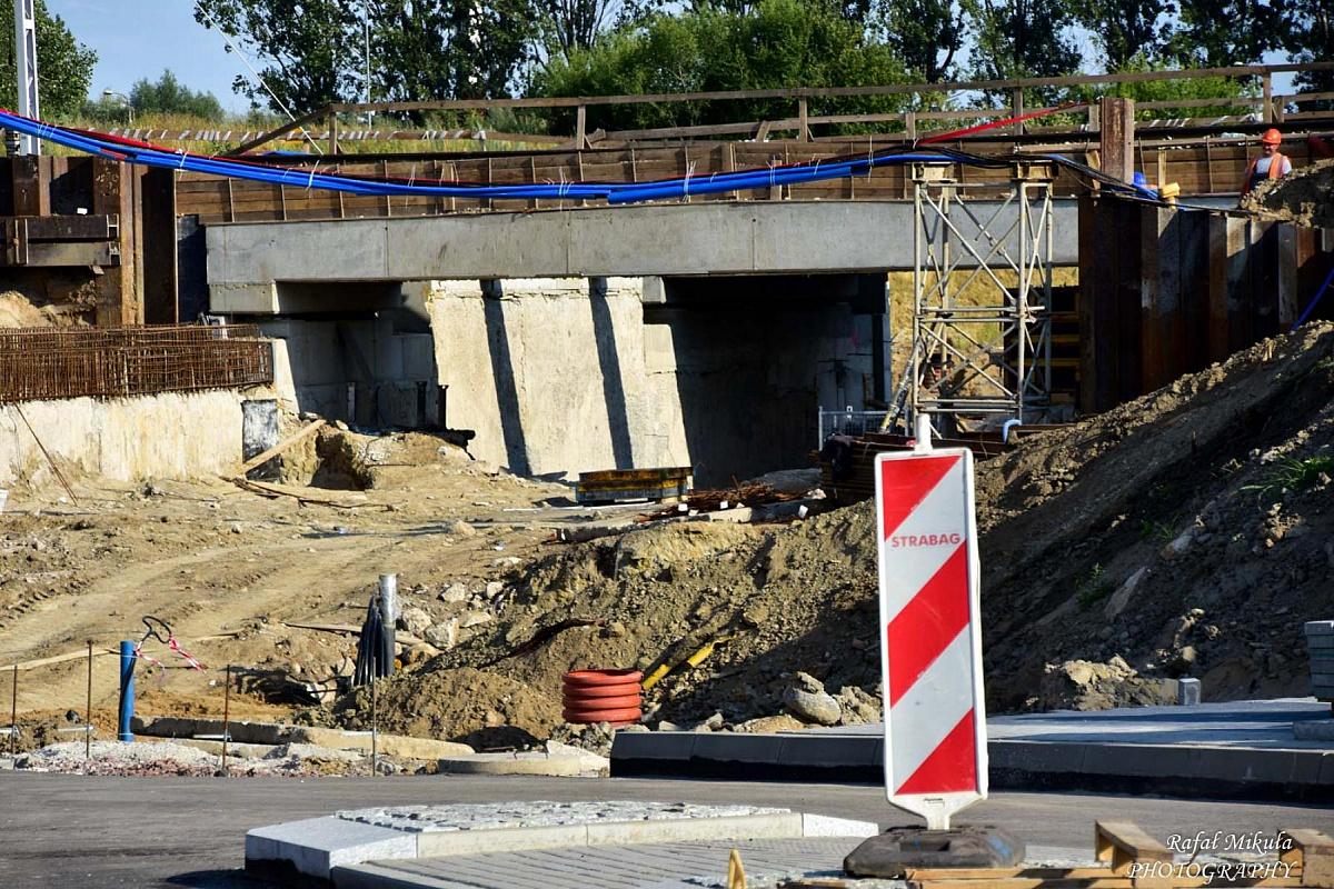 Trwa przebudowa Trzech Mostów