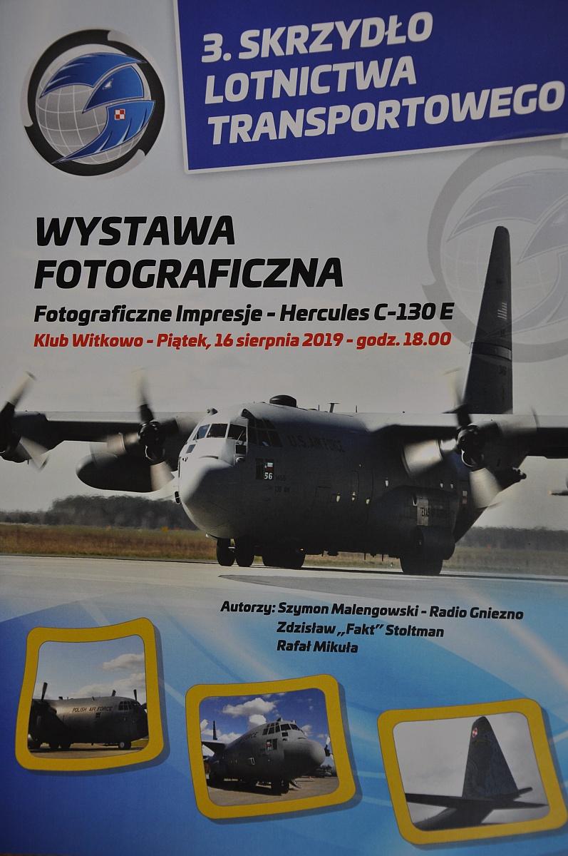 Wystawa fotograficzna w Klubie 3. Skrzydła Lotnictwa Transportowego w Witkowie