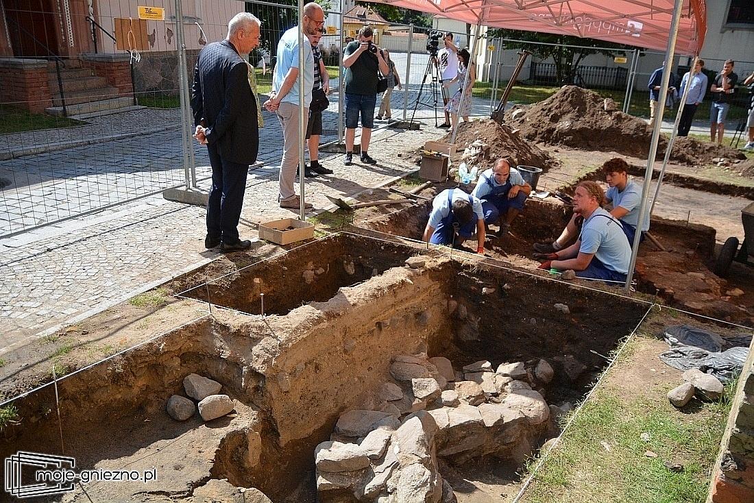 Co odkryto na Górze Lecha w Gnieźnie?