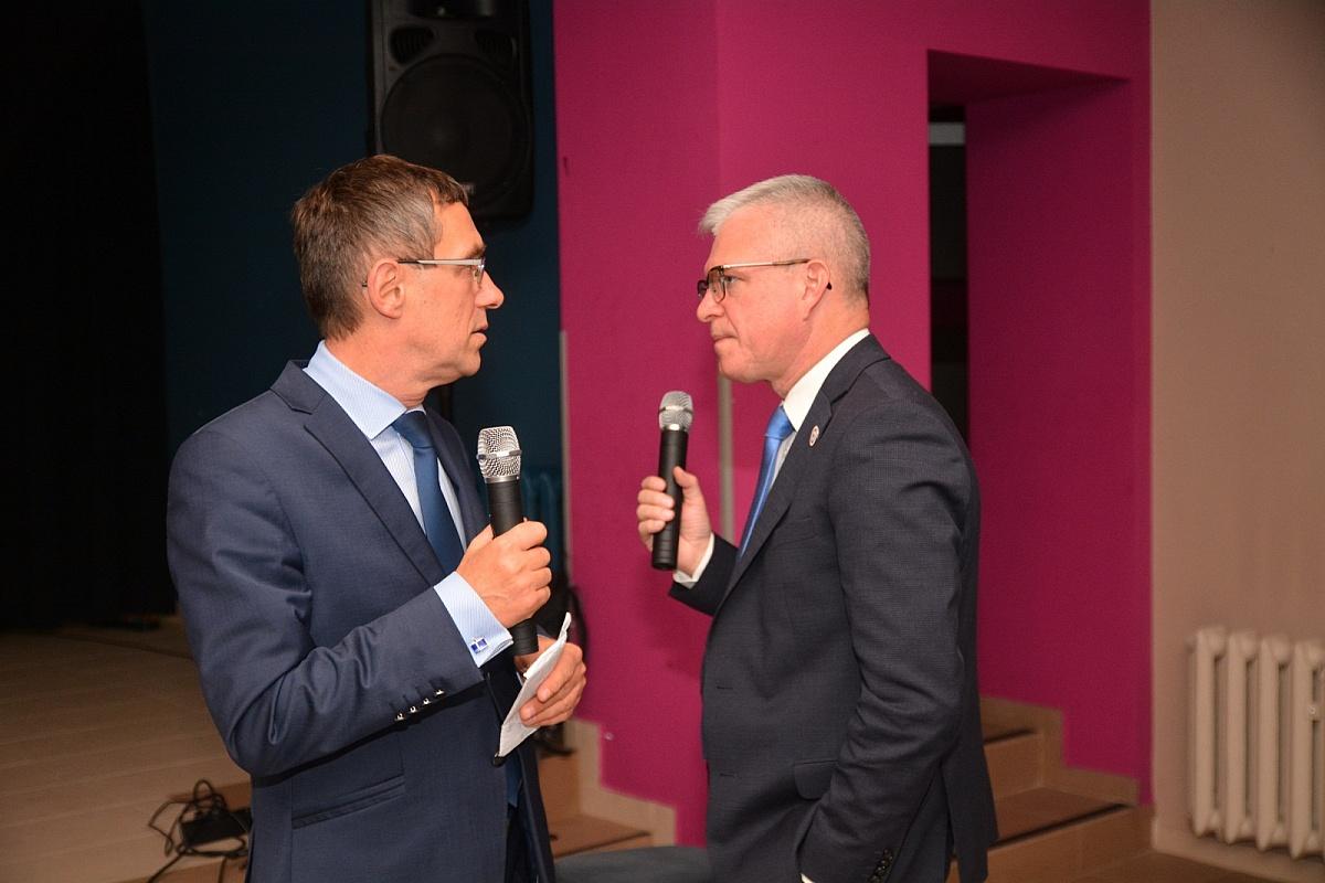 Wieczory wyborcze Prawa i Sprawiedliwości oraz Koalicji Obywatelskiej w Gnieźnie